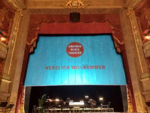 Bühne (Foto: TJR)